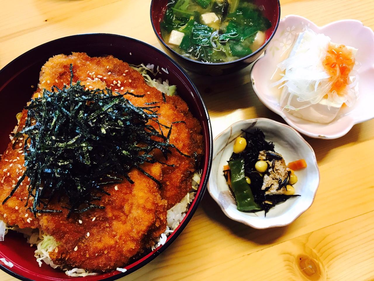 福島県昭和村 カフェまつや ヒレカツ丼