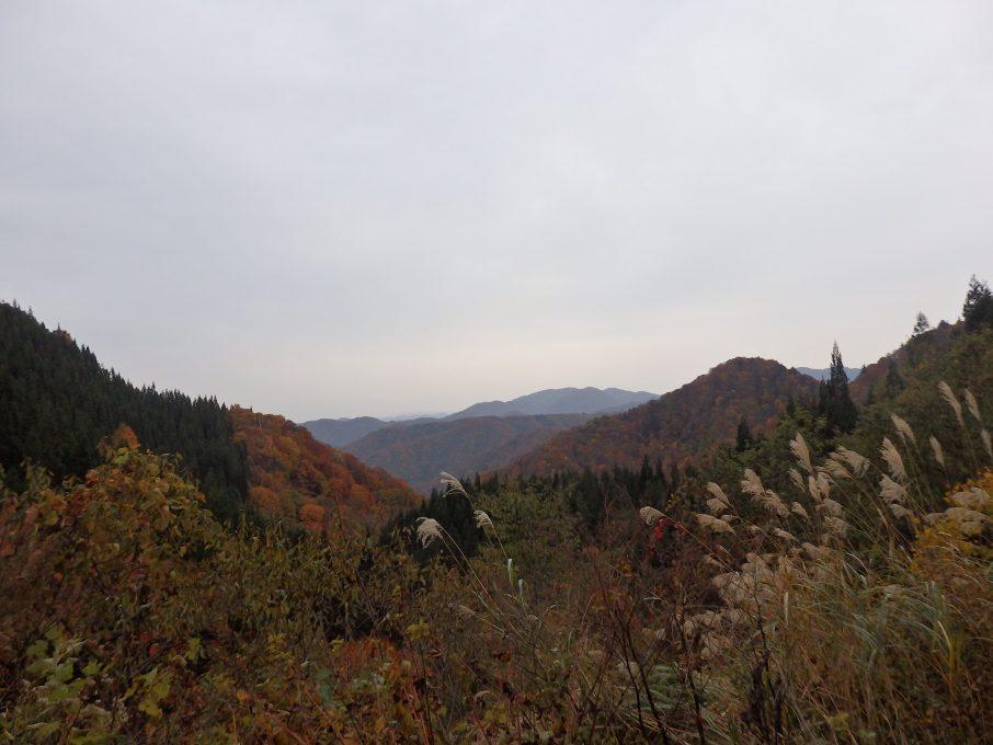 喰丸トンネルからの紅葉風景