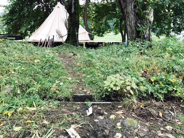 木道を作る裏庭