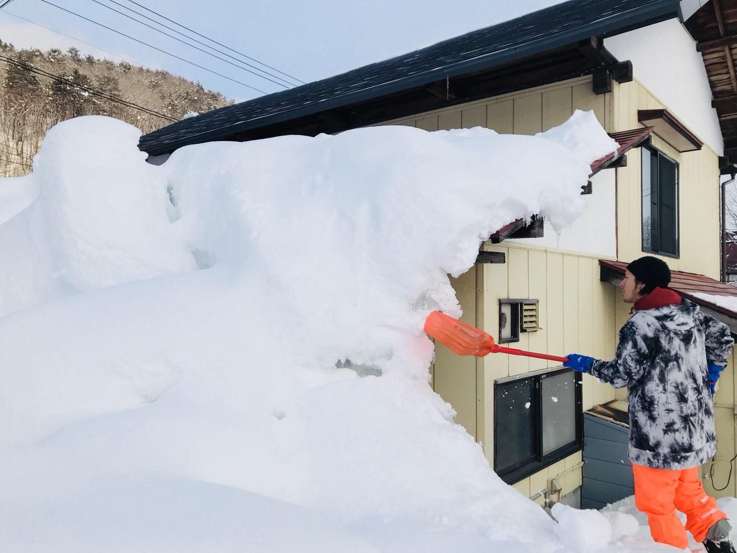 古民家の雪下ろし