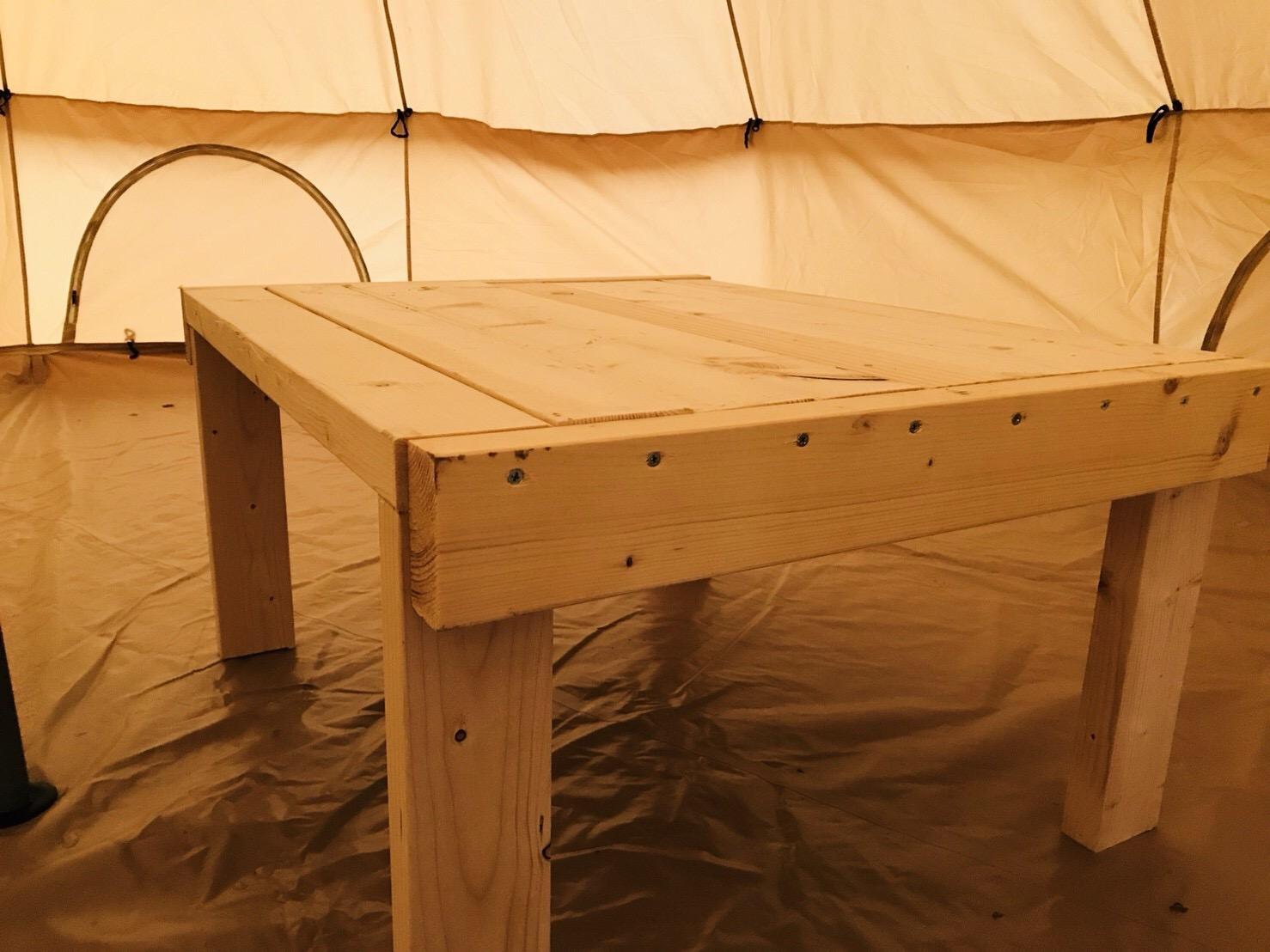端材で簡単にテーブルを作る