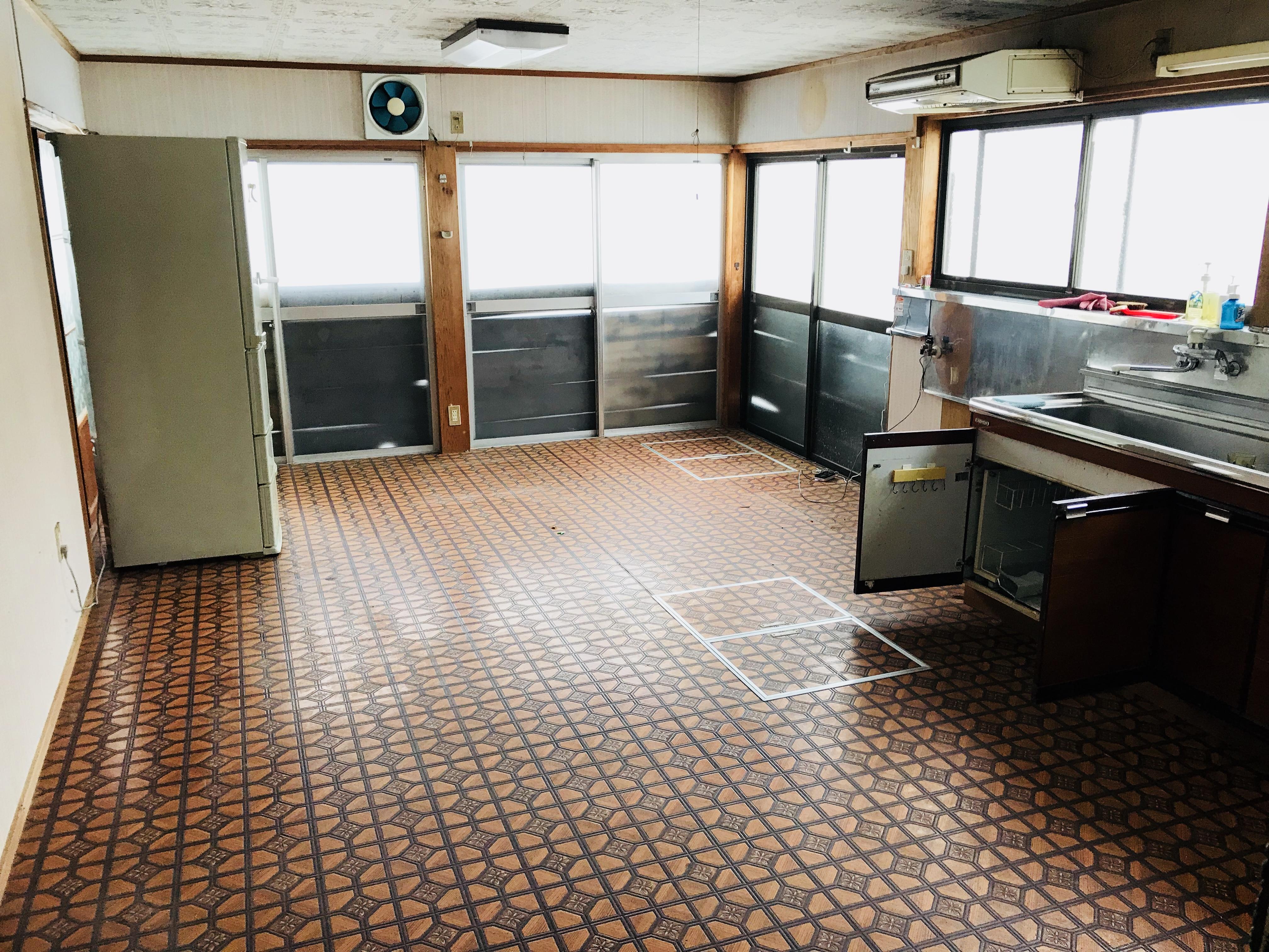 古民家の床下収納庫