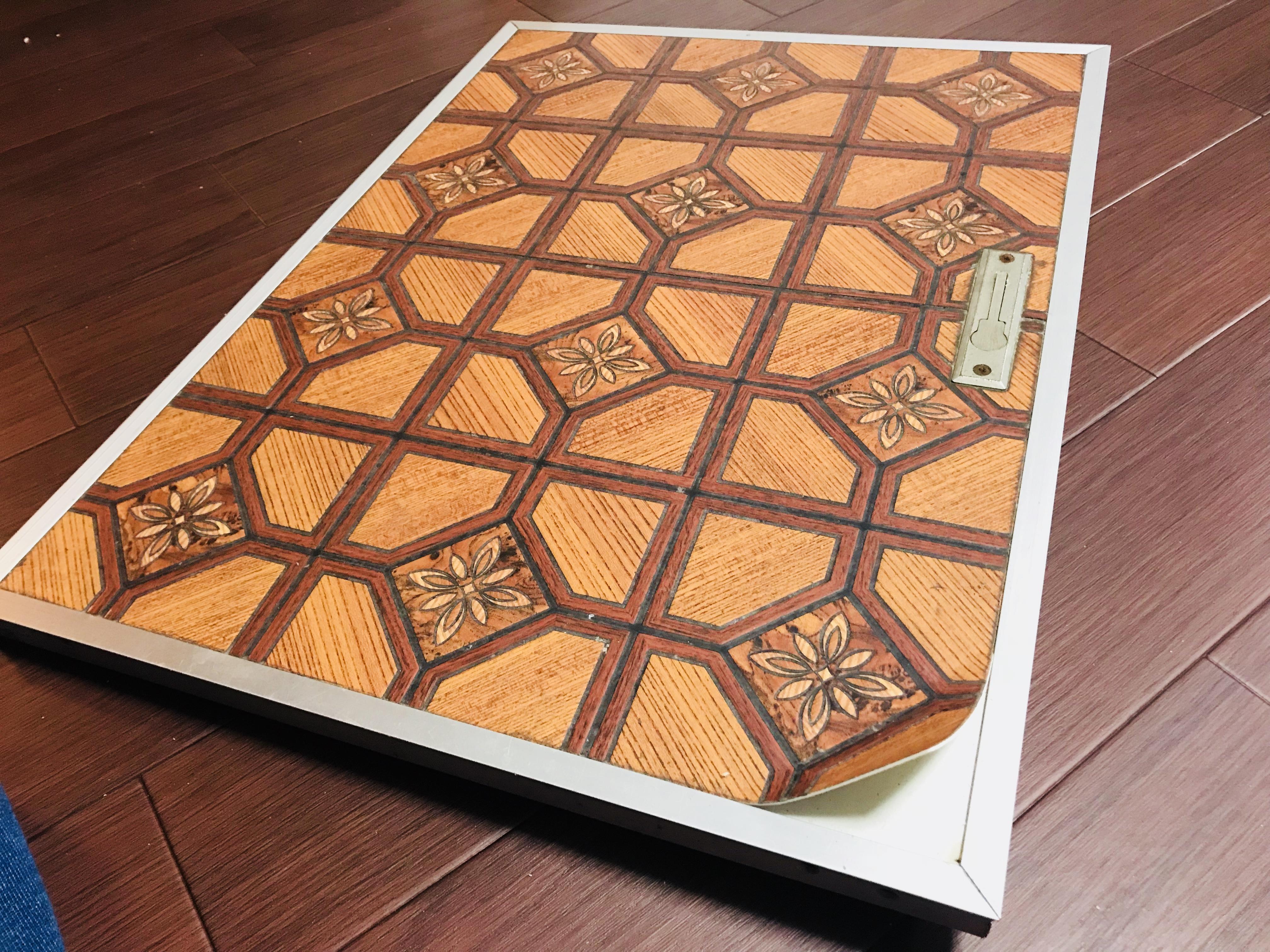 床下収納庫のフタのクッションフロアを貼り替え