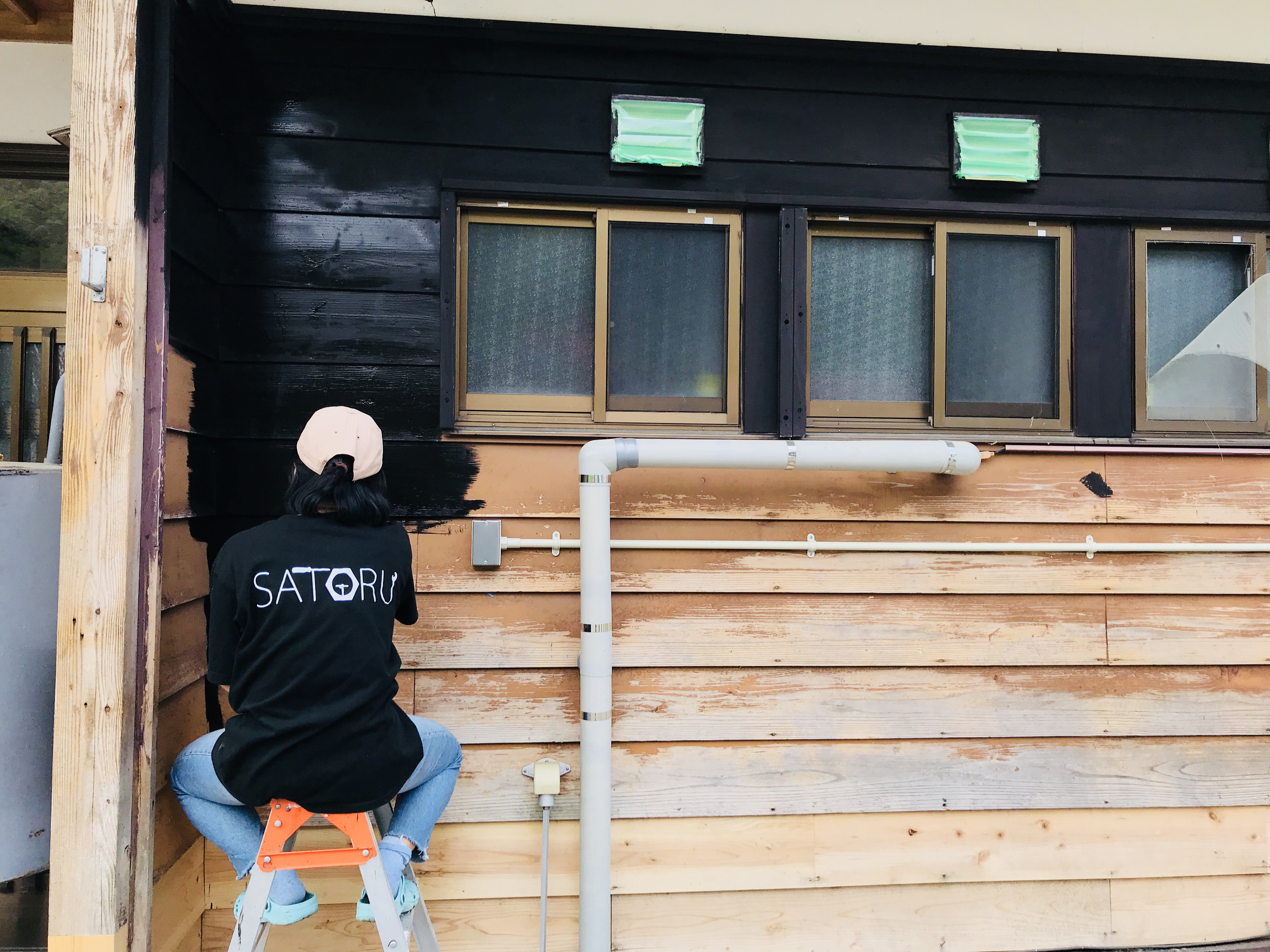 DIYで外壁を塗装