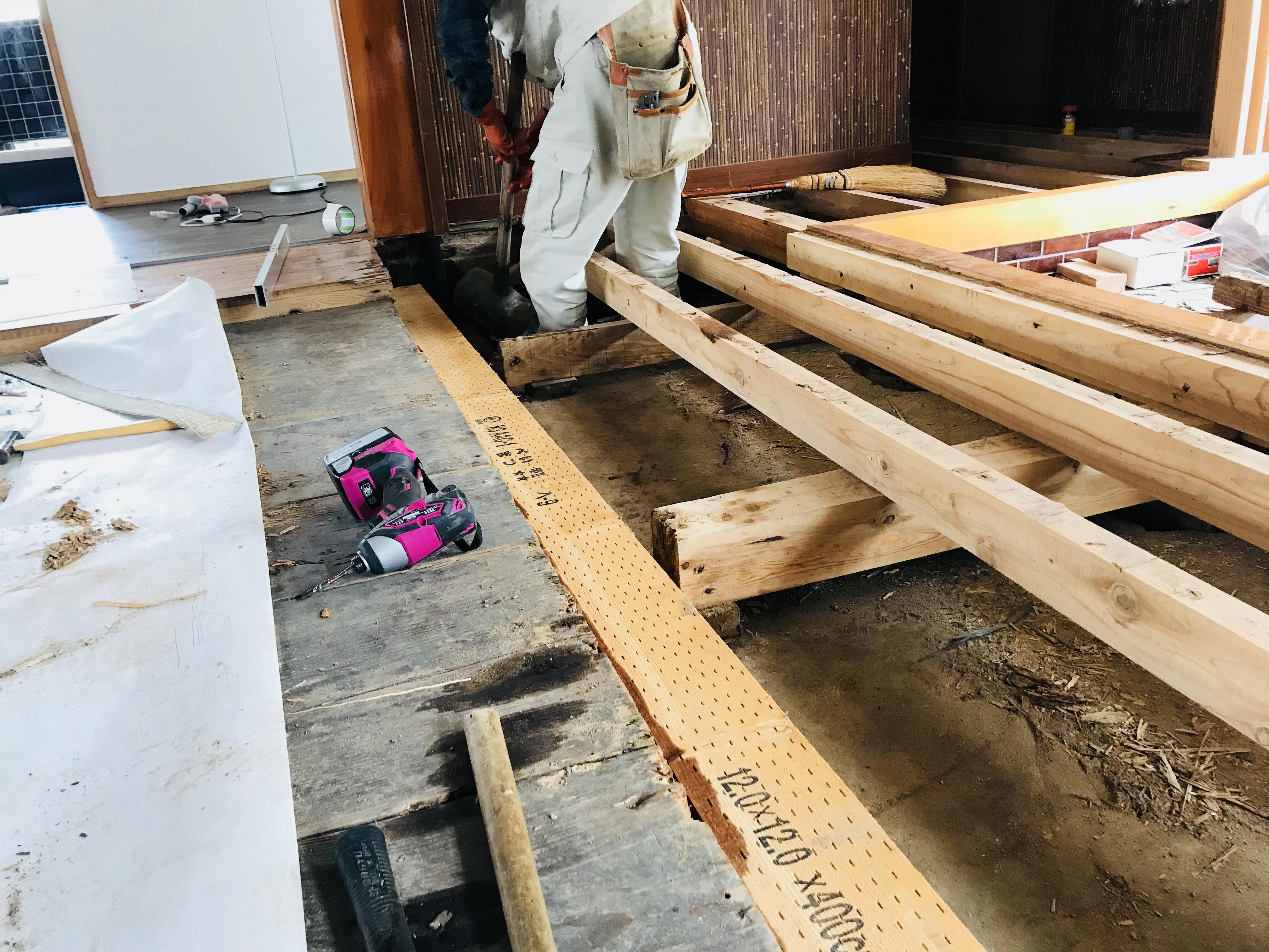 古民家の敷居の修復
