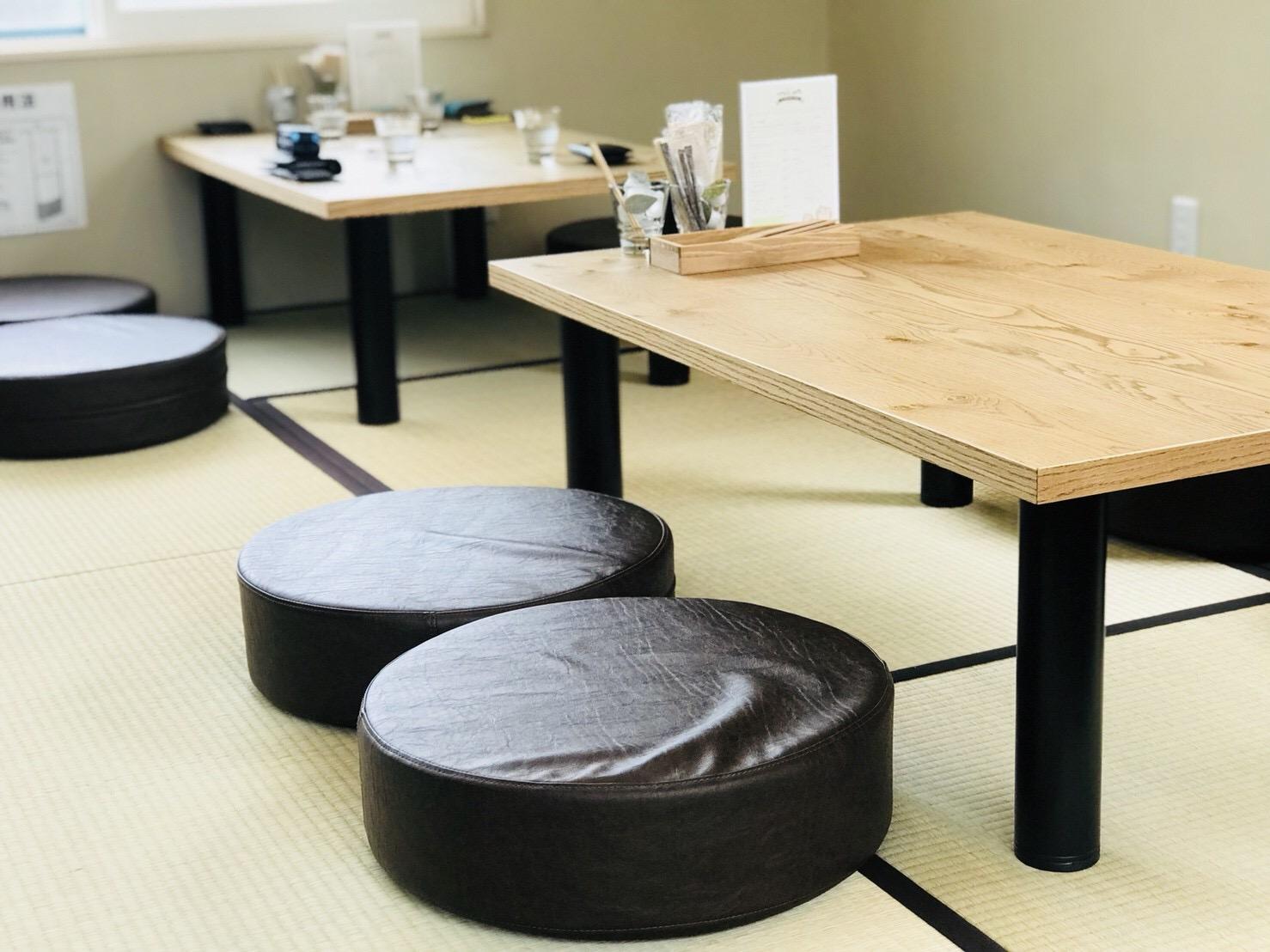 蕎麦カフェ 小上がり席