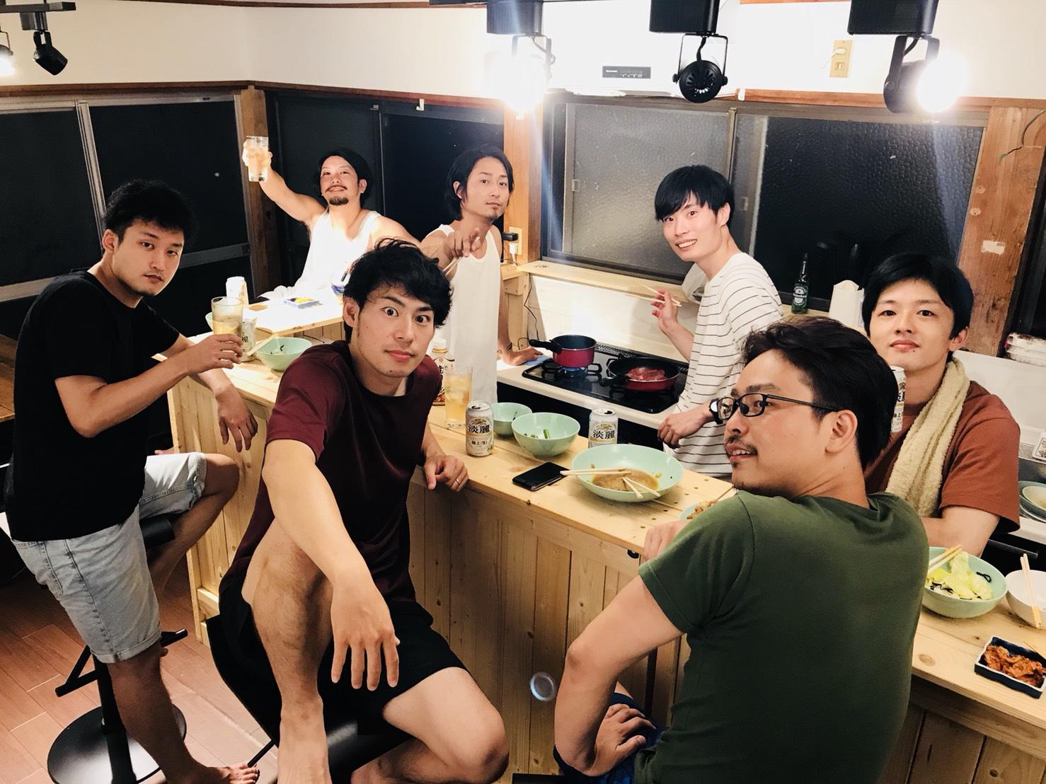 SHARE BASE 昭和村のダイニングキッチン