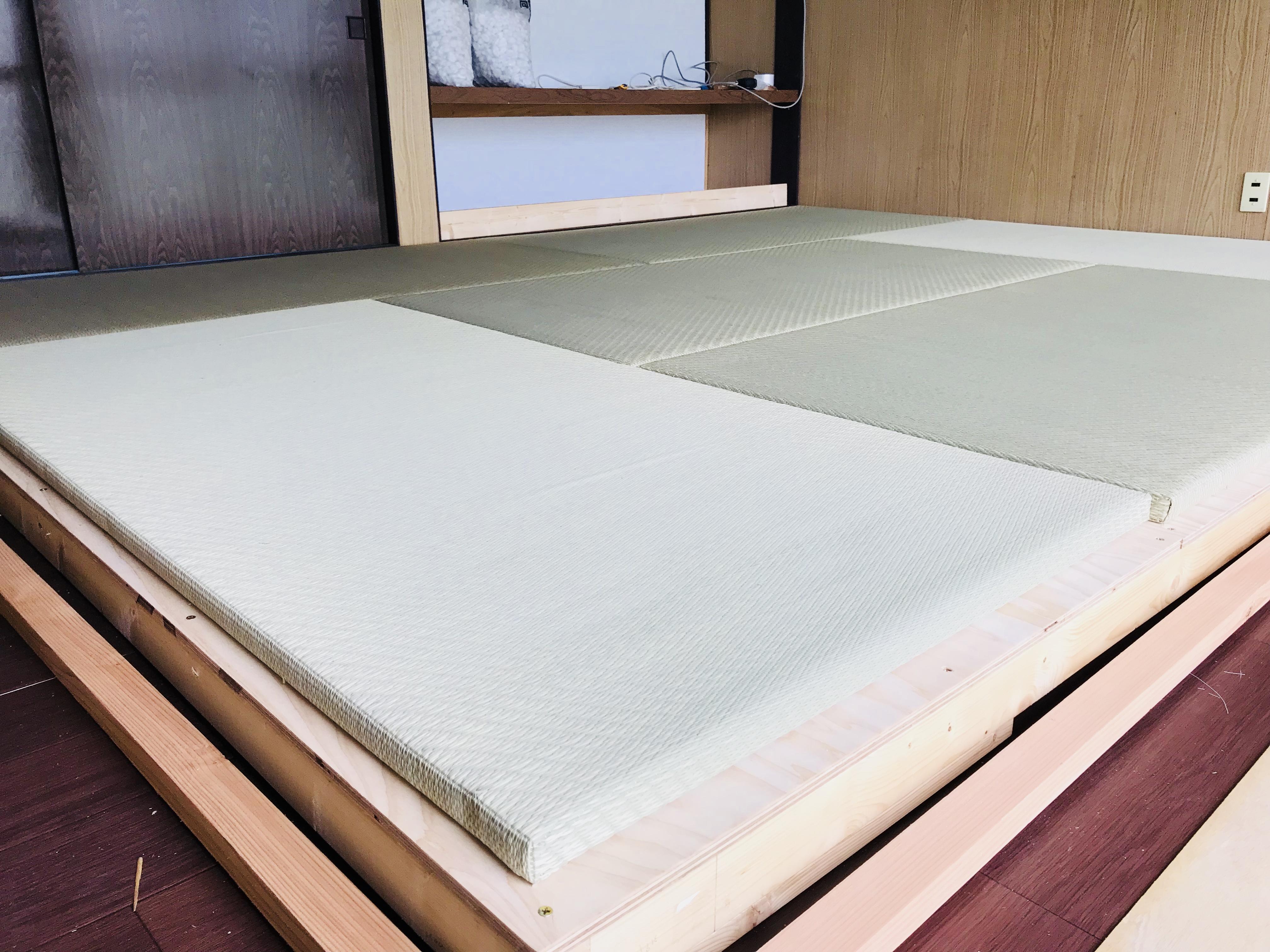 小上がりにユニット畳を敷く