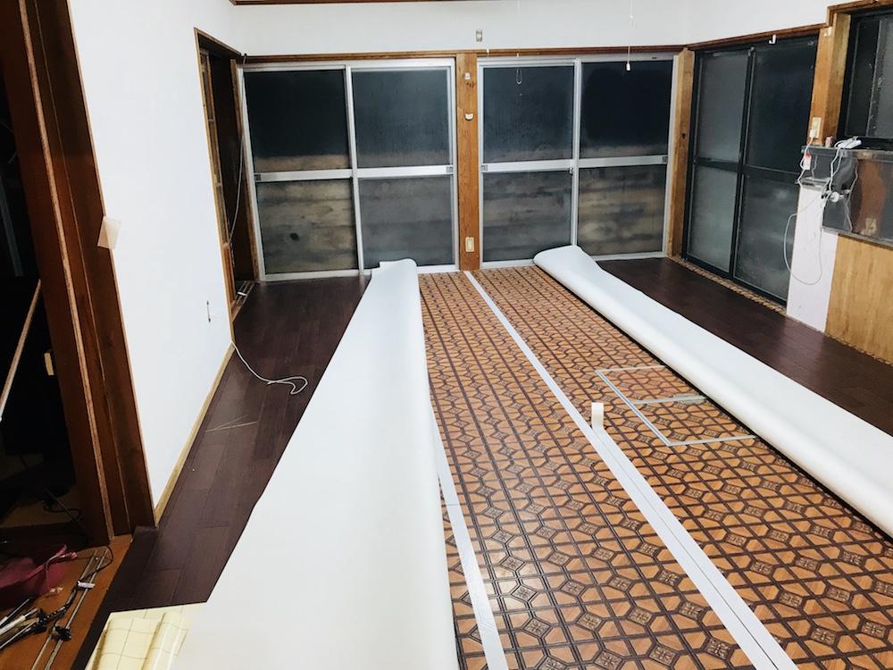 キッチンスペース改装の手順②【DIYで床をクッションフロアに。】