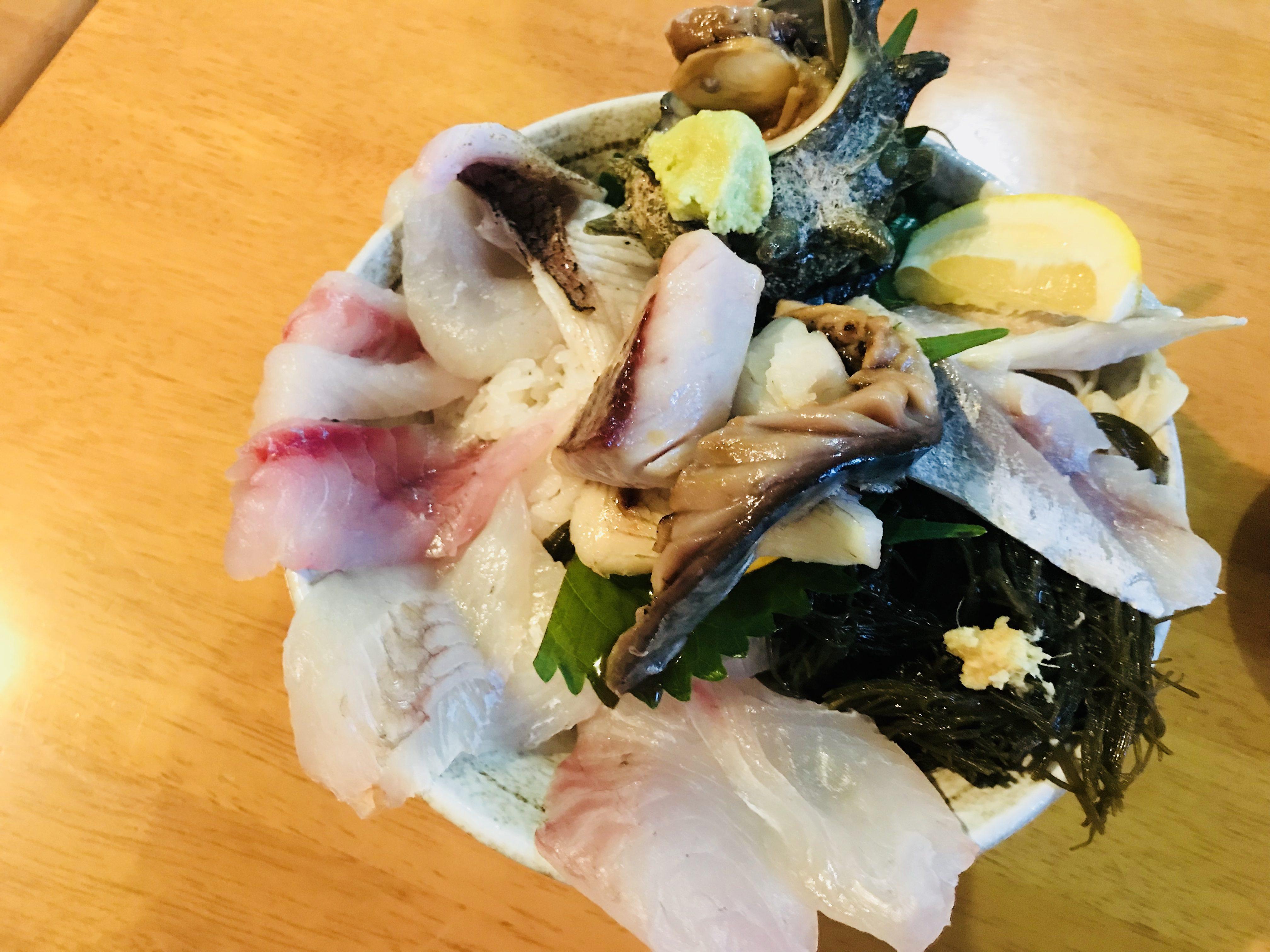 海幸(うみ)オーシャンフィッシュの海鮮丼