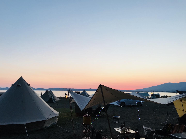 猪苗代湖でキャンプ