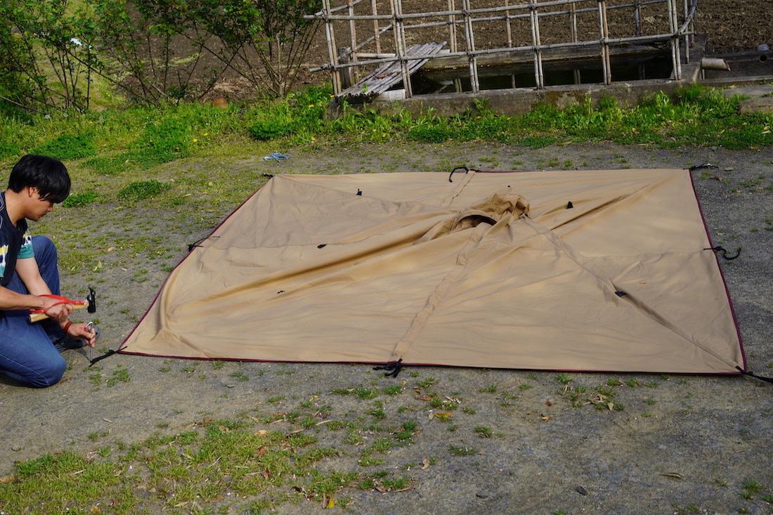 テントの設営方法