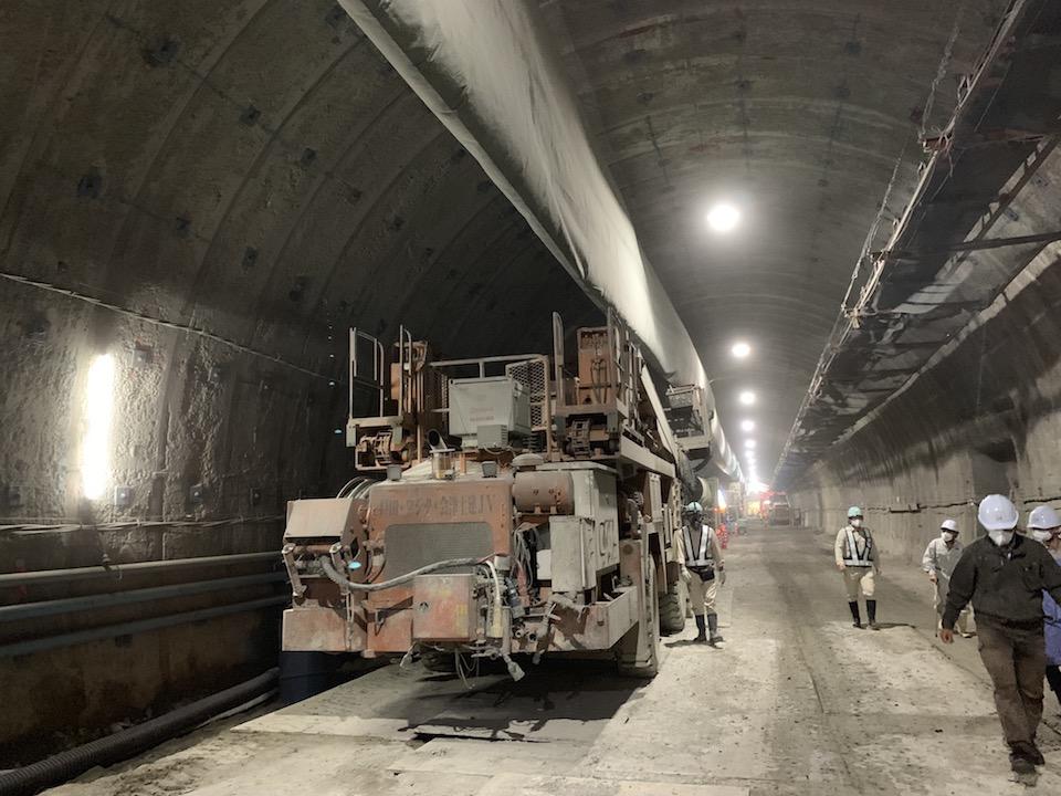 トンネルの建設する機械