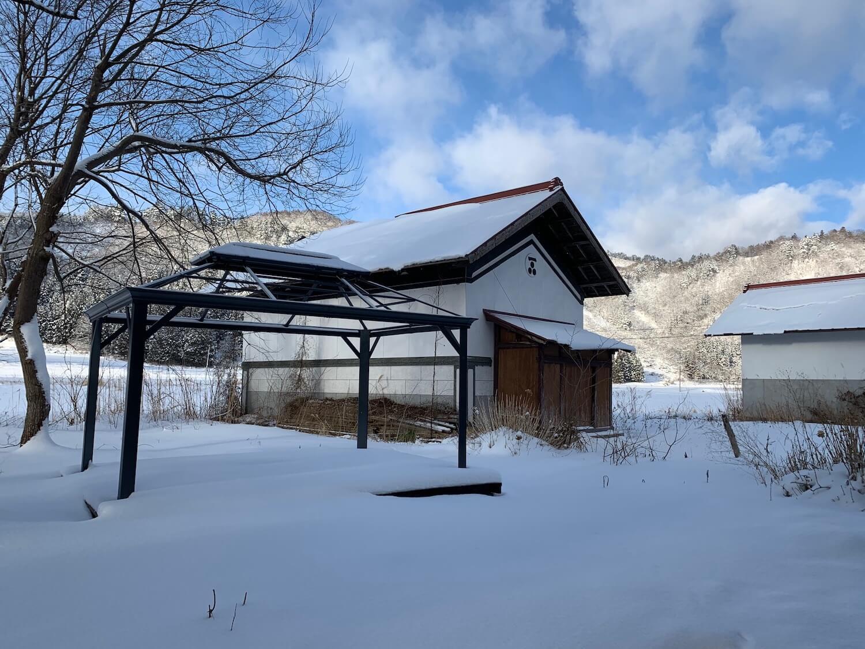 コストコのガゼボに雪が積もらないようにするには?
