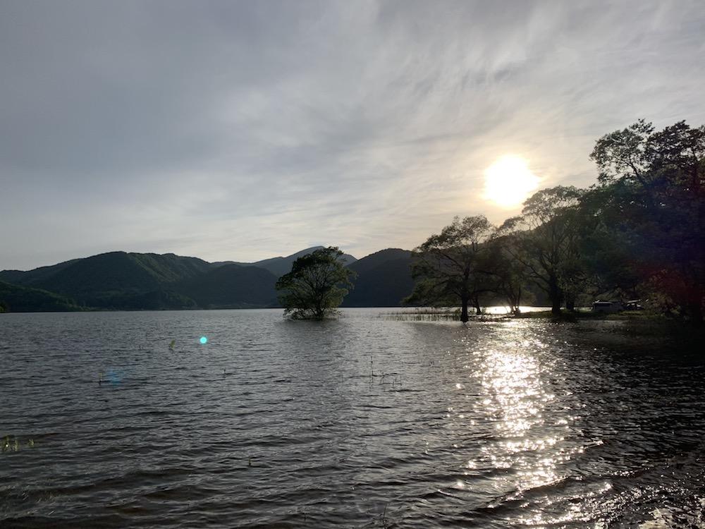 桧原湖がすぐそば! 釣り好きにもぴったりのキャンプ場。