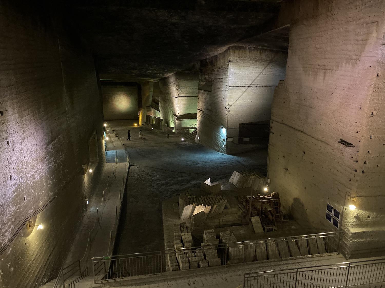 巨大な地下空間にドキドキ。見どころ満載の大谷資料館。