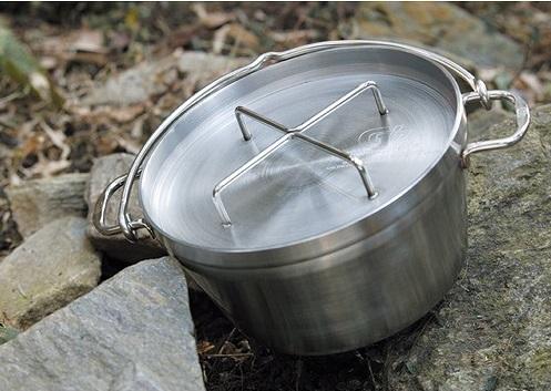 初心者なら、SOTOの「ステンレスダッチオーブン」が使いやすい!