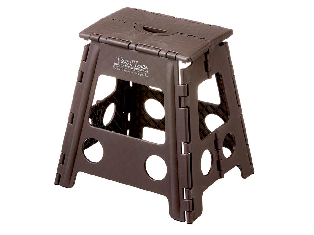 ホームセンター「カインズ」で買える。折り畳み踏み台 ハイタイプ(ブラウン)。