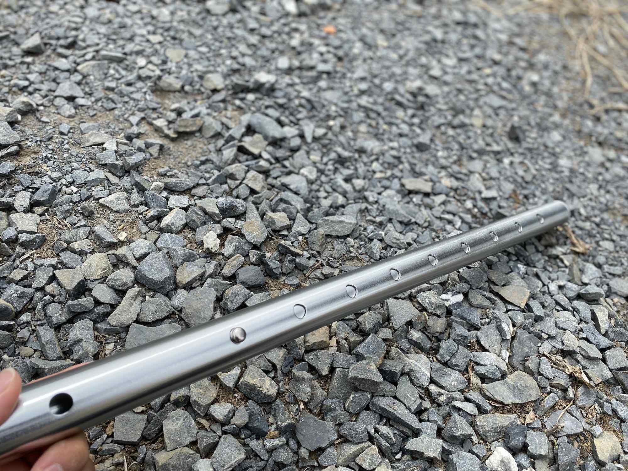 二又化するためのアイテム②「FIELDOOR (フィールドア) アルミテントポール 直径32mm 2セット」